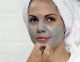 Біла глина як компонент живлять масок для обличчя та волосся фото