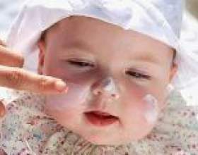 Дитячий крем для обличчя: види і правильний склад. Чи ефективний дитячий крем для обличчя для догляду за дорослою шкірою? фото
