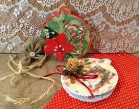 Ялинкові іграшки в дусі старовинного різдва фото
