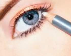 Підводимо очі олівцем, підведенням і тінями самостійно фото