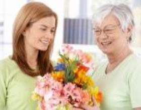 Красиві вірші мамі та бабусі на день народження фото