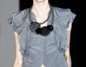 Модні блузки і топи - весна-літо 2011 фото