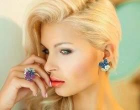 Нюанси макіяжу для блондинок - залежність тону від кольору очей фото