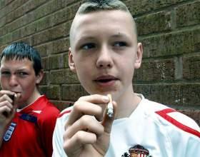 Чому підліток курить фото