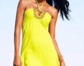 Сонячний шарм модних сарафанів 2011 року фото