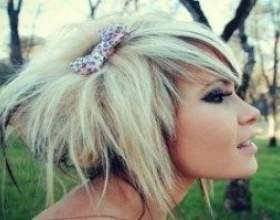 Специфічні особливості зачісок і стрижок в характерному стилі емо фото